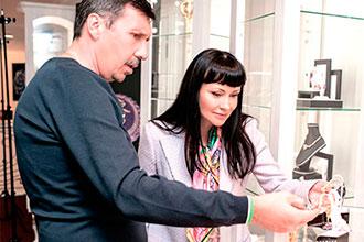 Нонна Гришаева и Александр Нестеров в премиум-салоне Российского бренда DENISOV & GEMS
